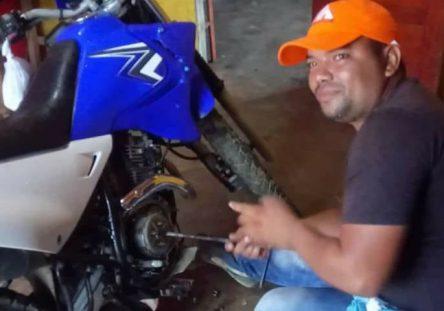 Oscar-Velásquez-e1555961625610-719x480-444x311.jpg