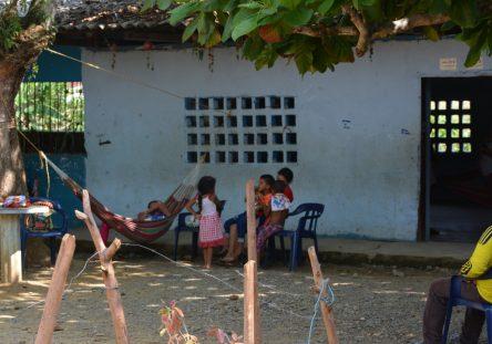desplazados-sur-de-cordoba-escuelas-6-444x311.jpeg