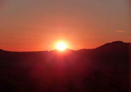 summer-solstice-1474745_1280-444x311.jpg