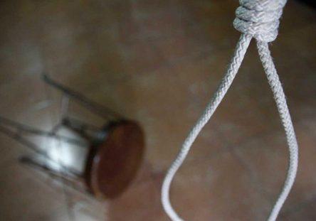 suicidio2_3_0-1132x670-444x311.jpg