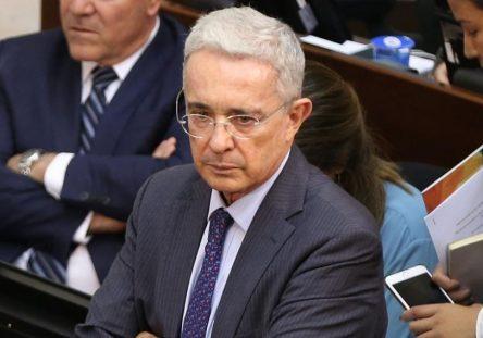 lvaro-Uribe-Vélez-444x311.jpg