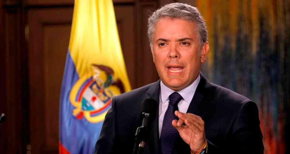 Maduro amenaza con desplegar sistema de misiles en frontera con Colombia