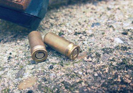 casquillos-percutidos-balas-disparos-444x311.jpg