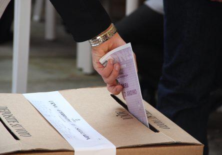 Elecciones-votación-voto-jurados-5-444x311.jpg