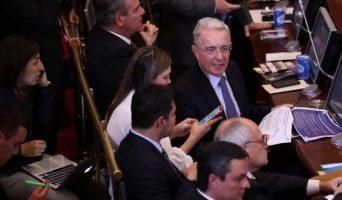 Uribe-en-el-Senado-342x200.jpeg