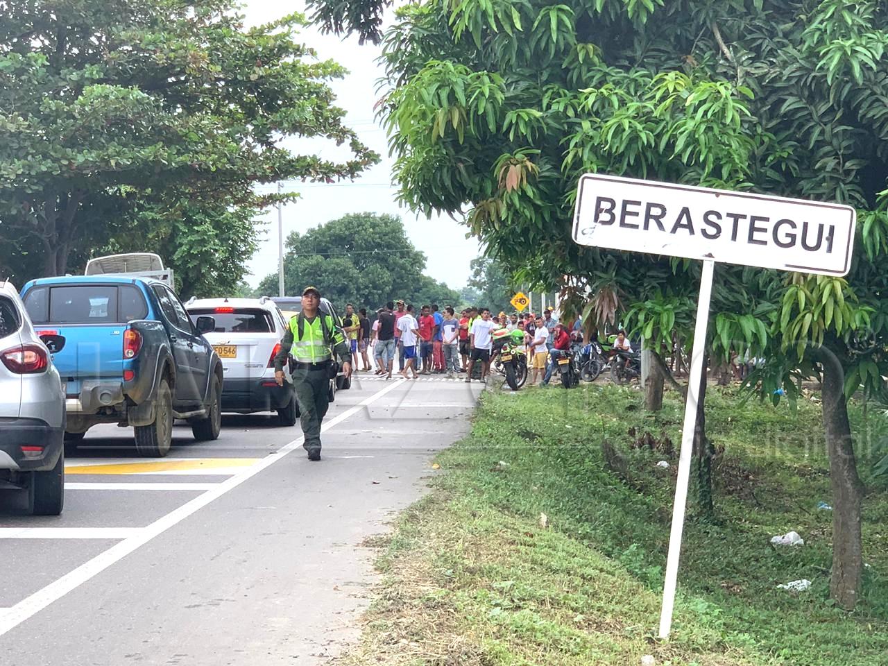 Protesta mantiene bloqueada la vía Cereté – Ciénaga de Oro en Berástegui - LA RAZÓN.CO