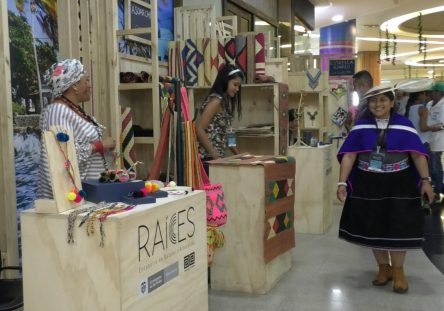 artesanos-monteria-indigenas-444x311.jpeg
