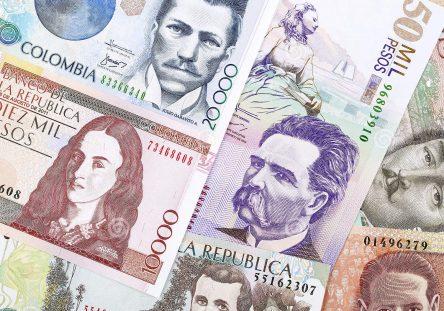 dinero-colombiano-un-fondo-136516534-444x311.jpg