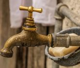 faucet-4459689_1920-165x140.jpg