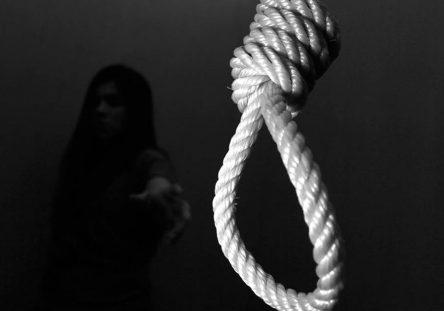 Suicidio-444x311.jpg