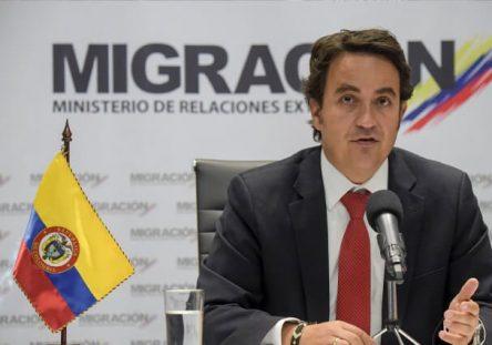 migracion-colombia-renuncia-christian-kruger-444x311.jpg