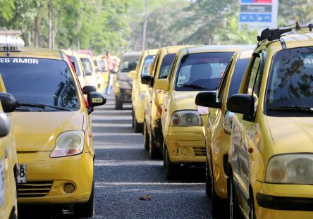taxis-444x311.jpg