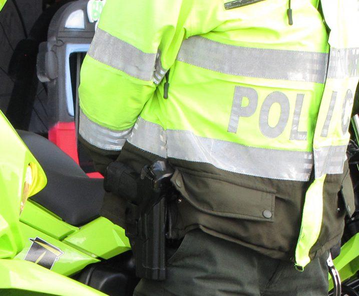 policias-717x590.jpg