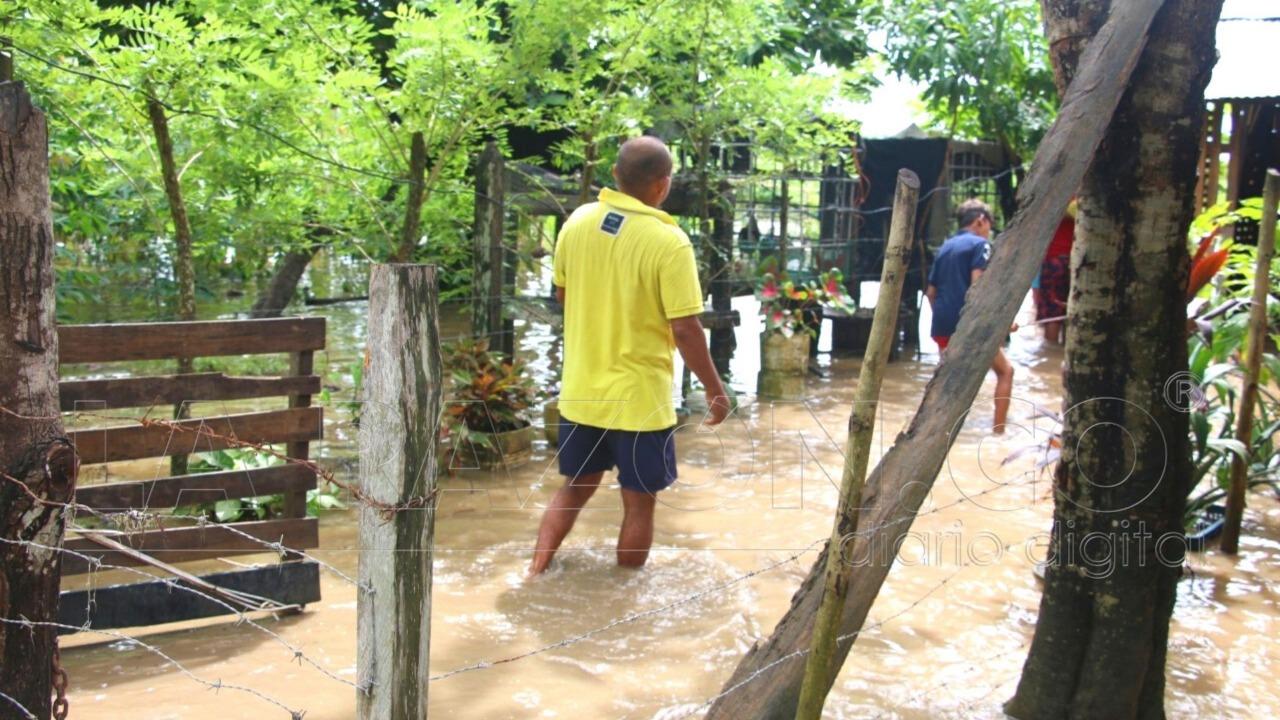 Huracán Delta de categoría 3 tiende a alejarse rápidamente del país -  LARAZON.CO